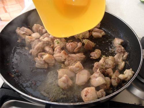 Bocconcini di pollo con lime e pepe rosa